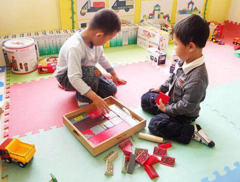 儿童智力测试仪提示科学治疗智力低下
